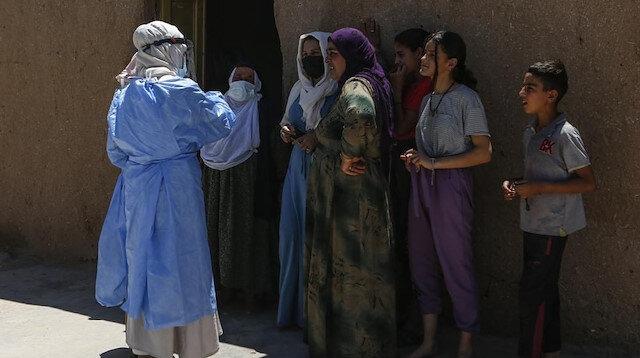 Kapı kapı dolaşıyorlar: Türkiye'deki aşı ikna ekiplerinin başarısı uluslararası basında