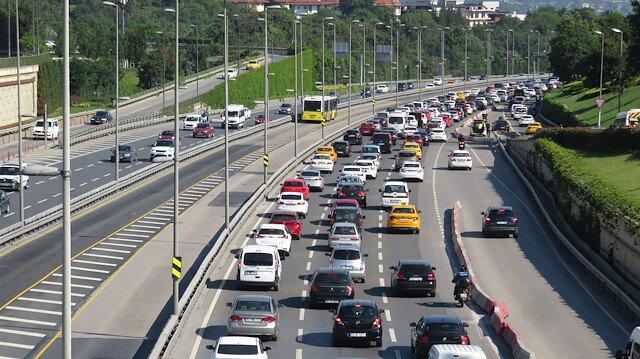 Kısıtlamasız cumartesi trafik yoğunluğuna neden oldu