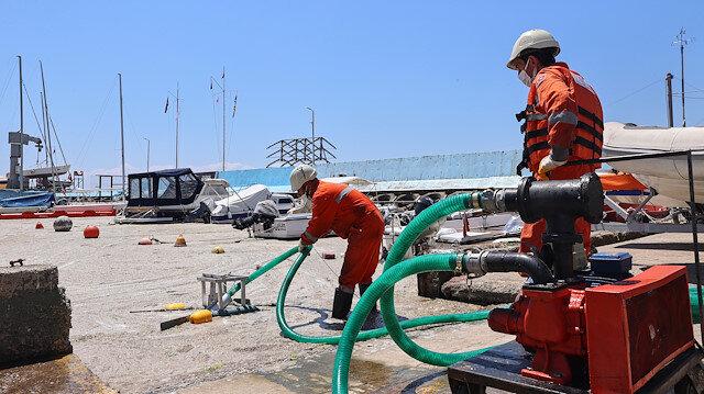 İlk adım atıldı: Caddebostan Sahili'nde müsilaj temizliği başladı