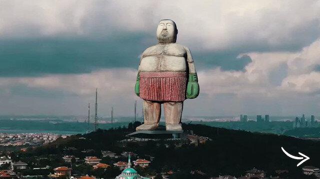 Mersin'de yapılan ilginç heykeli biraz gezintiye çıkardık