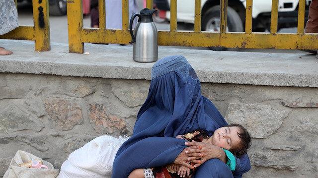 Afganistan halkı, Taliban ve hükümet güçleri arasındaki savaş nedeniyle göç ediyor
