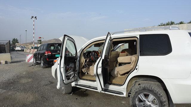 Afganistan'da ülkeden çıkmak isteyenlerin geride bıraktığı araçlar hurdaya döndü