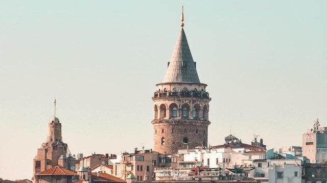 İstanbul'un akla ilk gelen simgelerinden biri, Galata Kulesi 🧡
