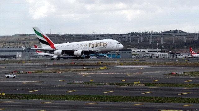 Dünyanın en büyük uçağı İstanbul'a indi
