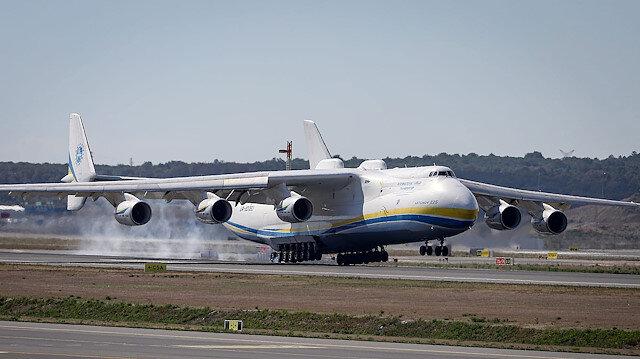 Dünyanın en büyük kargo uçağı İstanbul'a indi: Tam 85 metre uzunluğunda