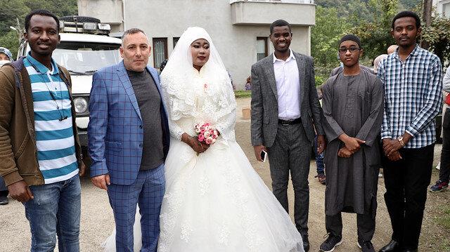 Birbirlerini internetten buldular: Sudan'dan Trabzon'a gelin geldi