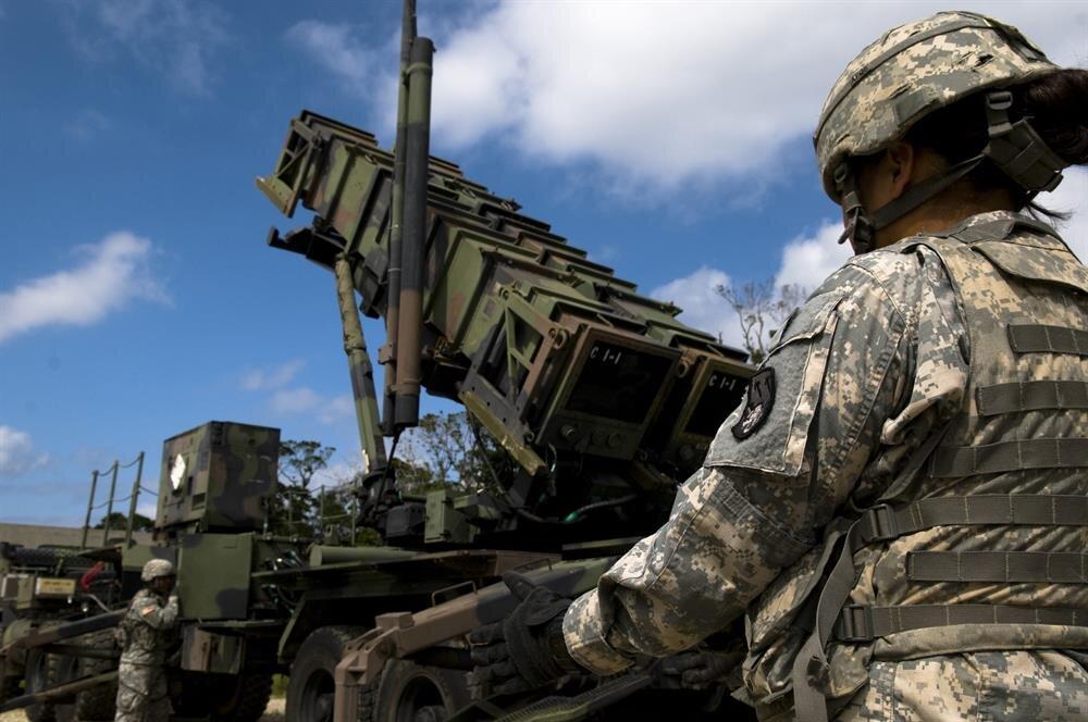 S-400 ile Patriot füze savunma sistemlerinin karşılaştırması