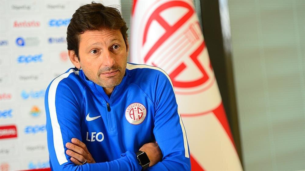 Antalyaspor'da Leonardo Araujo dönemi sona erdi!