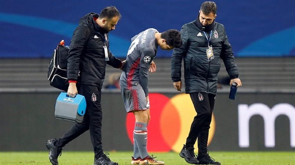 Şampiyonlar Ligi'nde tarih yazan Beşiktaş'a kötü haber: Necip Uysal sakatlandı