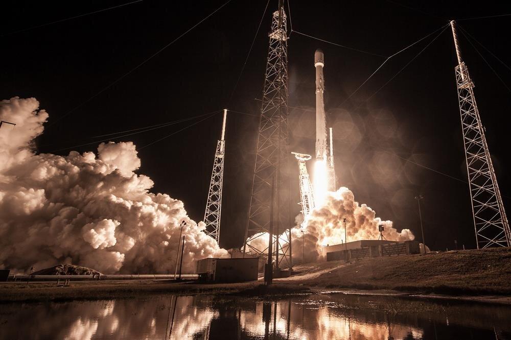 SpaceX'in fırlattığı milyar dolarlık casus uyduya ne oldu?