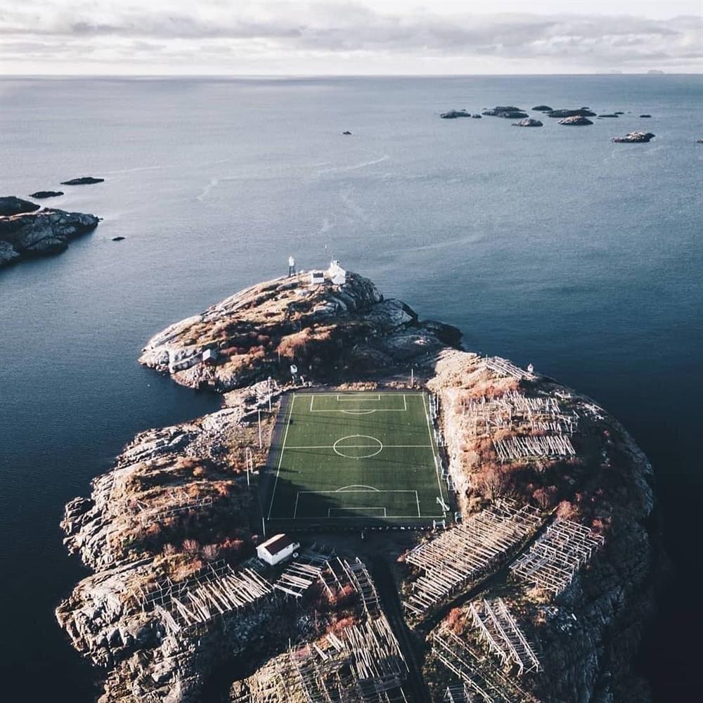 Norveç'te sıradan bir futbol stadyumu
