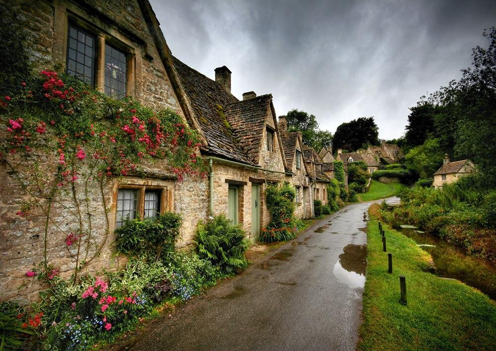 Village Cottages, İngiltere